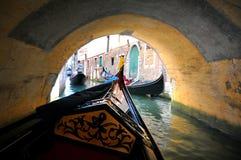 Giro della gondola a Venezia, Italia   immagini stock