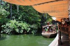 Giro di crociera della giungla a Adventureland, Disneyland immagine stock