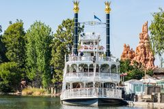 Giro di Mark Twain Riverboat a Disneyland Immagine Stock Libera da Diritti