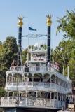 Giro di Mark Twain Riverboat a Disneyland Fotografie Stock