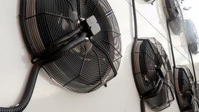 Giro do fã da unidade do condicionador de ar Grandes fãs industriais de giro video estoque