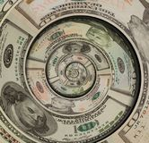 Giro espiral de los dólares de EE. UU. del dinero hecho de cientos cincuenta diez dólares de billetes de banco Dólares de EE. UU. Imagen de archivo