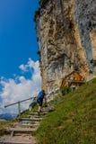 Giro esplorativo attraverso la bella regione montana di Appenzell, Svizzera, immagine stock