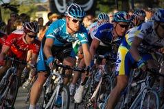 Giro giù sotto i ciclisti Fotografia Stock Libera da Diritti