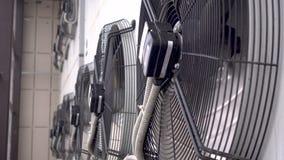 Giro industrial do fã da unidade do condicionador de ar video estoque