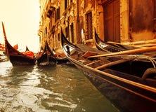 Giro tradizionale della gondola di Venezia fotografie stock libere da diritti