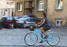 Giro urbano della bicicletta Fotografie Stock Libere da Diritti