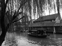 Giro Willow Tree del fiume della barca di Wenzhou Immagine Stock Libera da Diritti