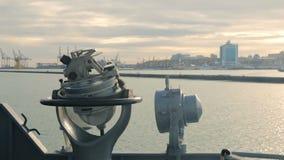 Girocompás marino naval