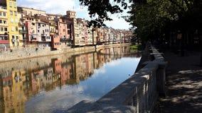 Girona è la vecchia città sul fiume Fotografia Stock Libera da Diritti