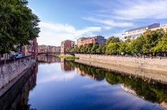 Girona, Catalonië, Spanje dichtbij Onyar-rivier Royalty-vrije Stock Foto's
