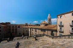 GIRONA, ESPAÑA - MAYO DE 2016: Vista de Girona - pastores de la casa en Placa Fotografía de archivo libre de regalías