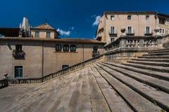 GIRONA, ESPANHA - EM MAIO DE 2016: Vista de Gerona - escadaria da catedral gótico Fotografia de Stock