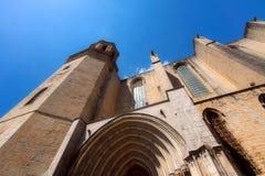 GIRONA, ESPANHA - EM MAIO DE 2016: Vista de Girona - catedral gótico em G Foto de Stock Royalty Free