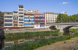 Girona - Kolorowi domy Fotografia Stock