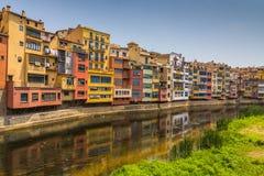Girona Multi-colored voorgevels van huizen Royalty-vrije Stock Afbeelding