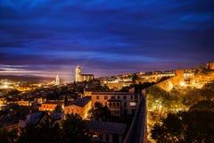 Girona stad på skymning Royaltyfria Foton