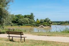 Gironde bred flodmynning, Frankrike Sikt på floden Garonne Royaltyfri Foto