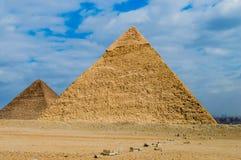 Giseh-Pyramiden lizenzfreies stockfoto