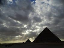 Giseh-Sphinx und Pyramiden, Ägypten lizenzfreies stockfoto