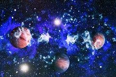 Gisement d'étoile dans l'espace lointain beaucoup d'années lumière loin de la terre Éléments de cette image meublés par la NASA Photo stock