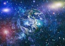 Gisement d'étoile montrant le ciel nocturne avec les étoiles et la nébuleuse vue de vecteur d'espace d'illustration de la terre É photo libre de droits