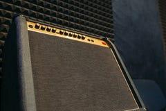 Gitara elektryczna amplifikatoru closep z bezpłatnym spce Obraz Royalty Free
