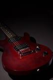 Gitara elektryczna na ciemnym tle Zdjęcia Stock