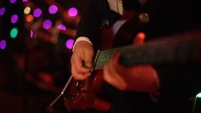 gitara elektryczna zapas r r E Czarny tło Zdjęcia Stock