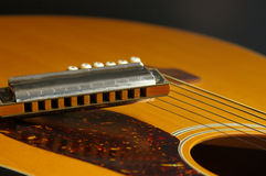 gitara harmonijka Zdjęcia Royalty Free