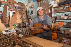 Gitara producent w Paracho Meksyk Fotografia Stock