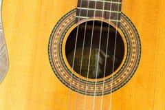 Gitara szczegółu instrumentu powierzchni sztuki zbliżenia Muzyczny tło Klasyczny zdjęcie royalty free
