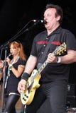 Gitarist en fluitist van Ierse volksbandHals Stock Afbeelding