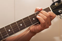 gitarr för ackord e Arkivbilder