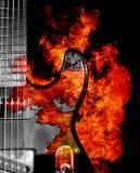 Gitarr på brand arkivfoto