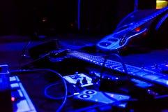 Gitarr på etapp Arkivfoton