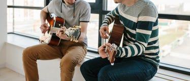 gitarr som l?rer spelrum till arkivbilder