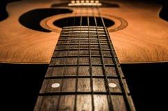 Gitarre akustisch, idealer Gebrauch für Hintergrund Lizenzfreie Stockbilder