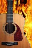 Gitarre auf Feuer Lizenzfreies Stockbild