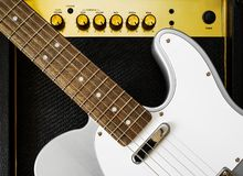 Gitarre elektrisch und Verstärker Sofortige Fotodrucke stockfotografie