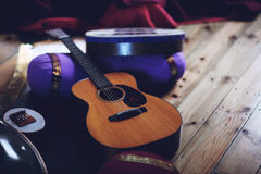 Gitarre u. Trommeln Stockfoto