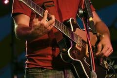 Gitarren-Spieler lizenzfreie stockfotos