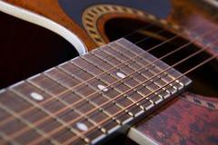 Gitarrenhals mit den Schnüren Makro Stockbild