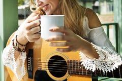 Gitarrist-Hobby Holiday Instruments-Freizeit-Konzept Stockbild
