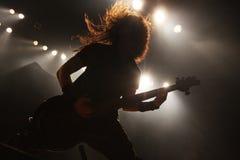 Gitarrist i handling royaltyfri bild