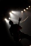 Gitarrist i handling arkivbilder
