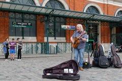 Gitarrist på den Covent trädgården arkivfoto