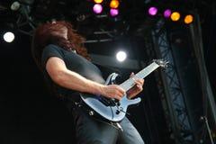 Gitarrist på etappen royaltyfria foton