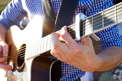 Gitarrist Playing Chords Stockfoto