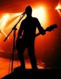 gitarrspelaresilhouette royaltyfria bilder